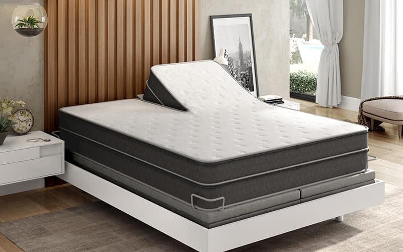 Instant Comfort Ultra Plush Comfort Q9 mattress in Bedroom Setting